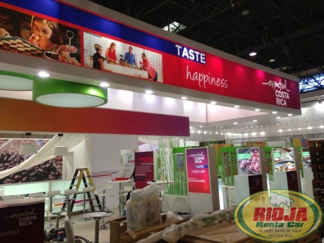 Costa Rica exposes food products to the world and tries to position itself is that market